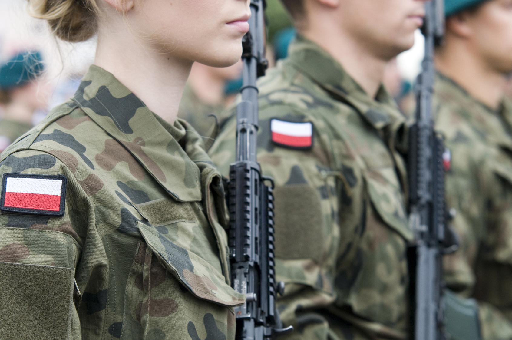 kobiety w polskich mundurach