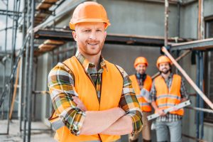 znakowanie odzieży dla pracowników budowlanych